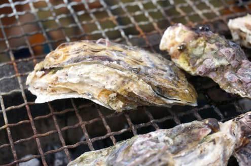 焼けてきた牡蠣