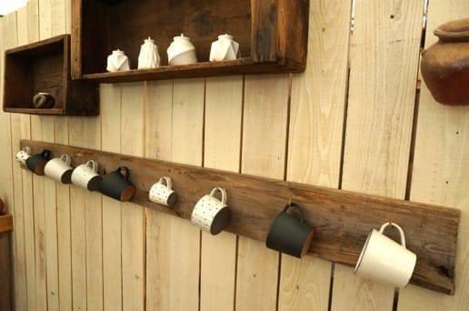 壁掛けのマグカップ