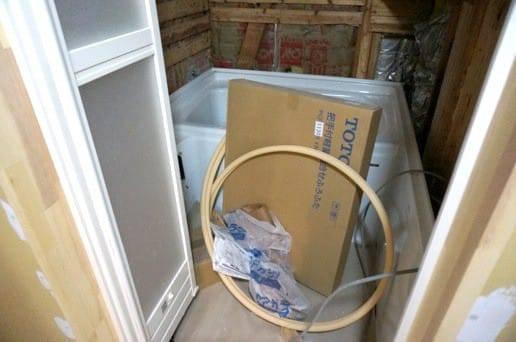 お風呂場のドア設置