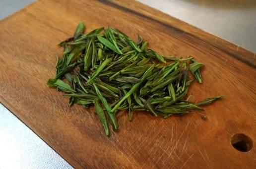 乾燥した茶葉