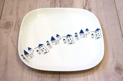 かわいい家の角皿