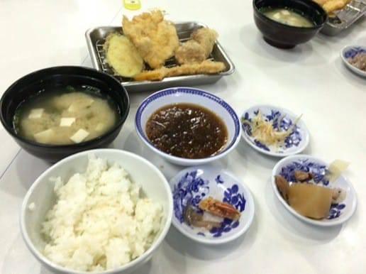 ひらおの天ぷら定食