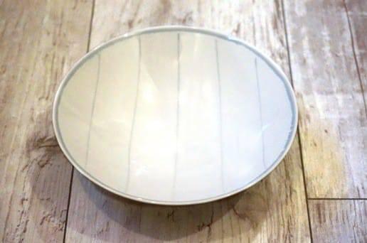 白山陶器の平茶碗 白ストライプ