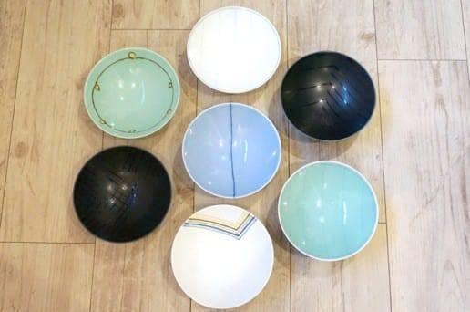 白山陶器の平茶碗 集合