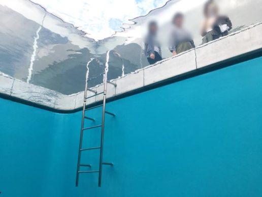 金沢21世紀美術館のプール内側